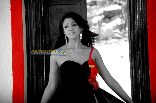 Aindrita Ray Tony Movie Image