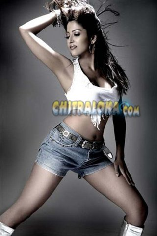 Suma Guha Hot Image