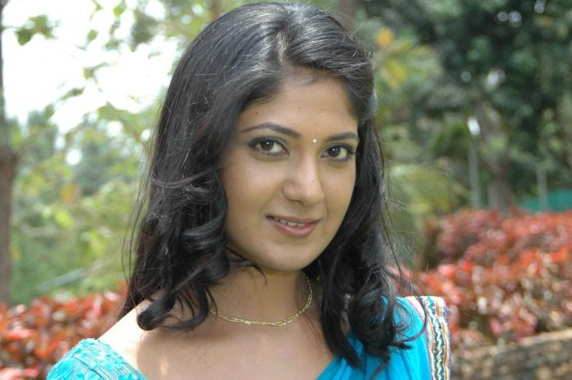 Yagna shetty Love Junction Movie Image