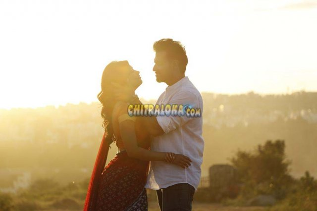 Lee Movie Gallery