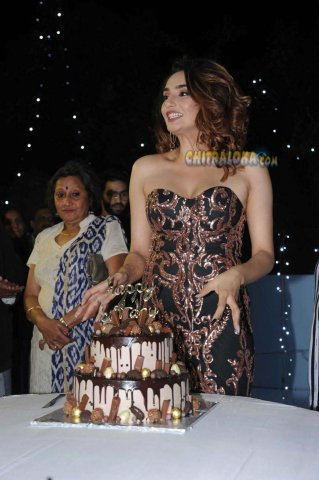 Ragini Dwivedi Birthday celebration Image 2018