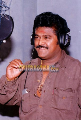 Jaggesh Singing Image