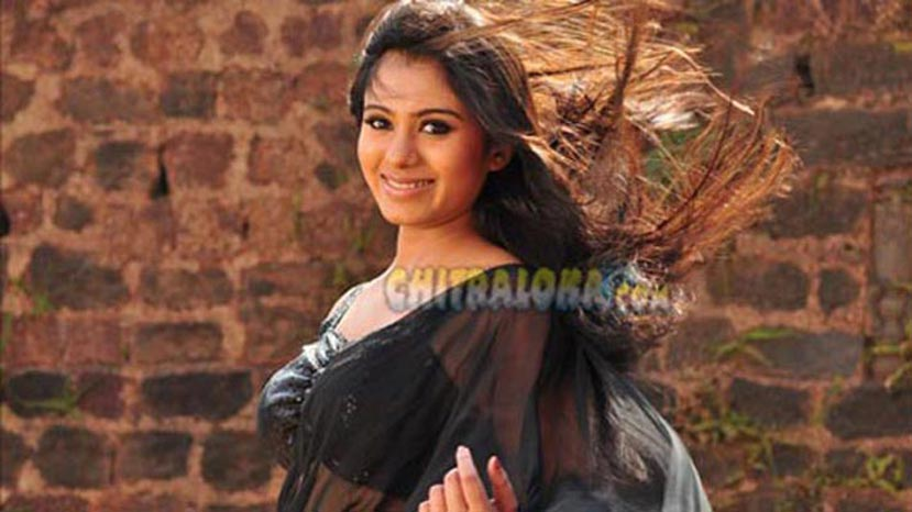 Deepa Sannidhi - Beautiful and Unlucky