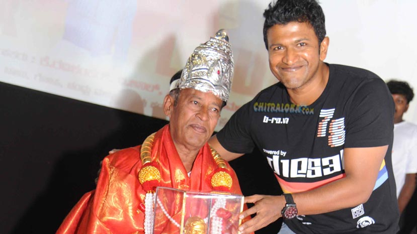 honnavall krishna is now the king of 1000 films
