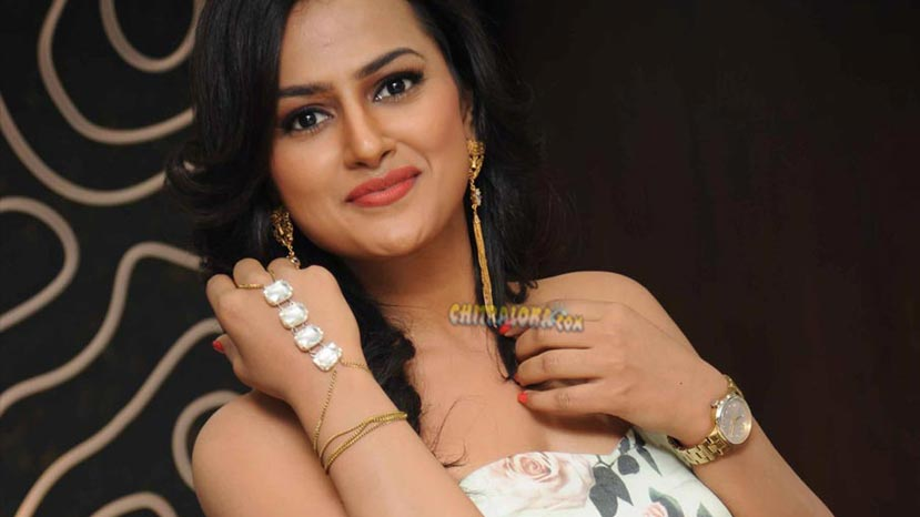 actress shraddha srinath
