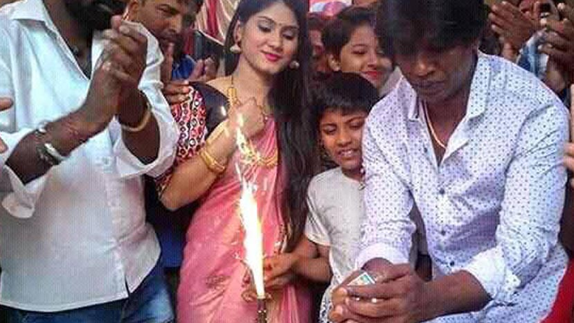 vijay celebrates his birthday with fans