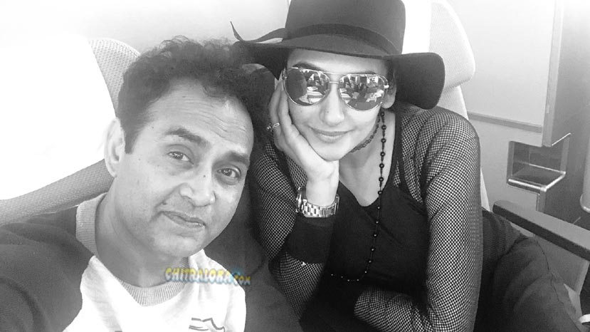 sharan and ragini flies to america