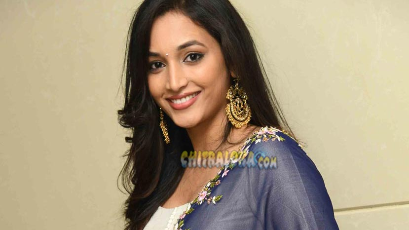 srinidhi plays a role of girl with attitude in kgf