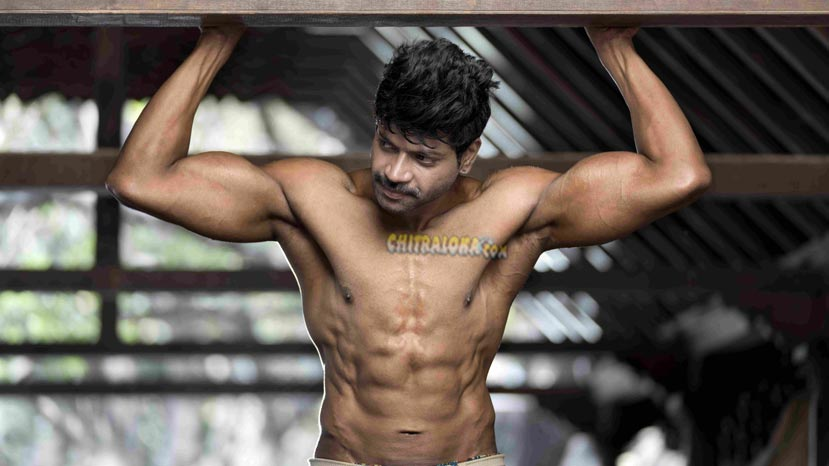 vinod prabhakar's 8 pack body
