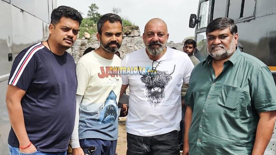 sanjay dutt joins kgf chapter 2 sets