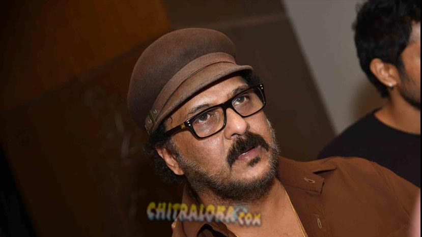 ravichandran requess not to compare paddehuli with premeloka