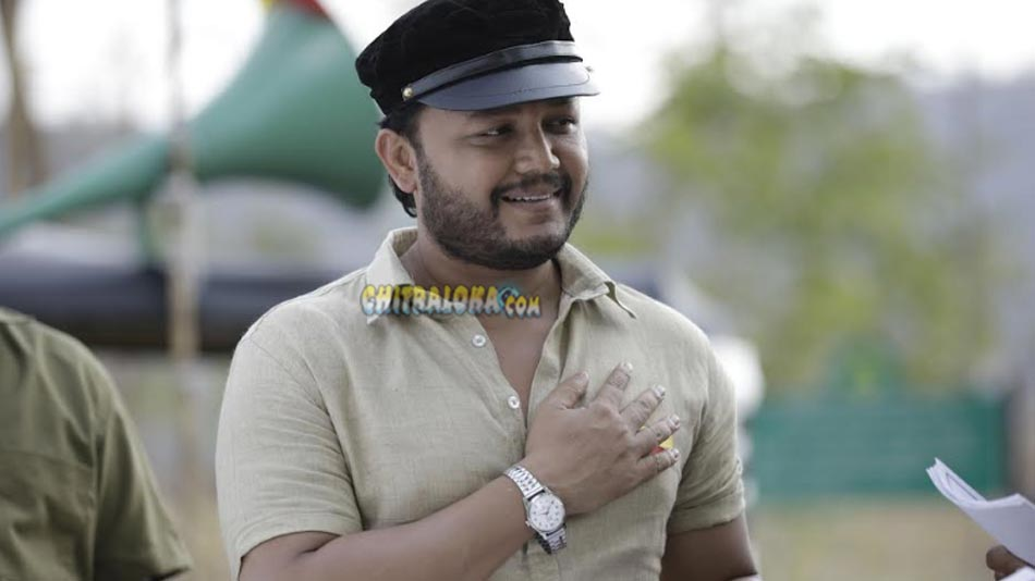 ganesh gives sweet shock to his fans in geetha