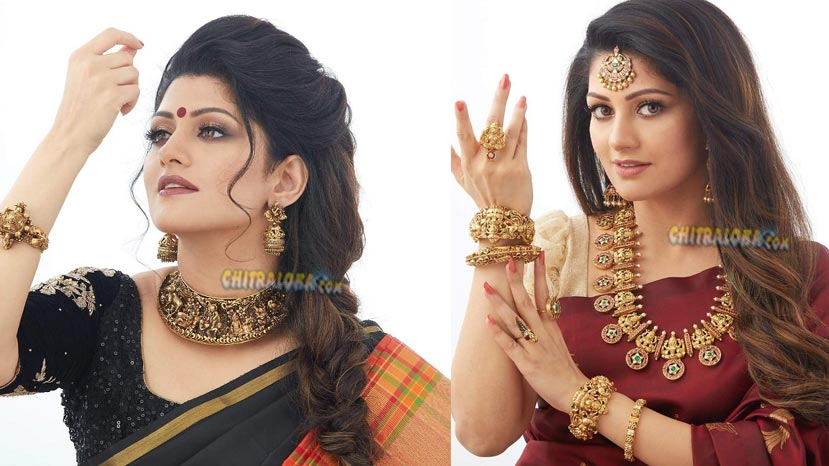 radhika kumaraswamy glitters in gold